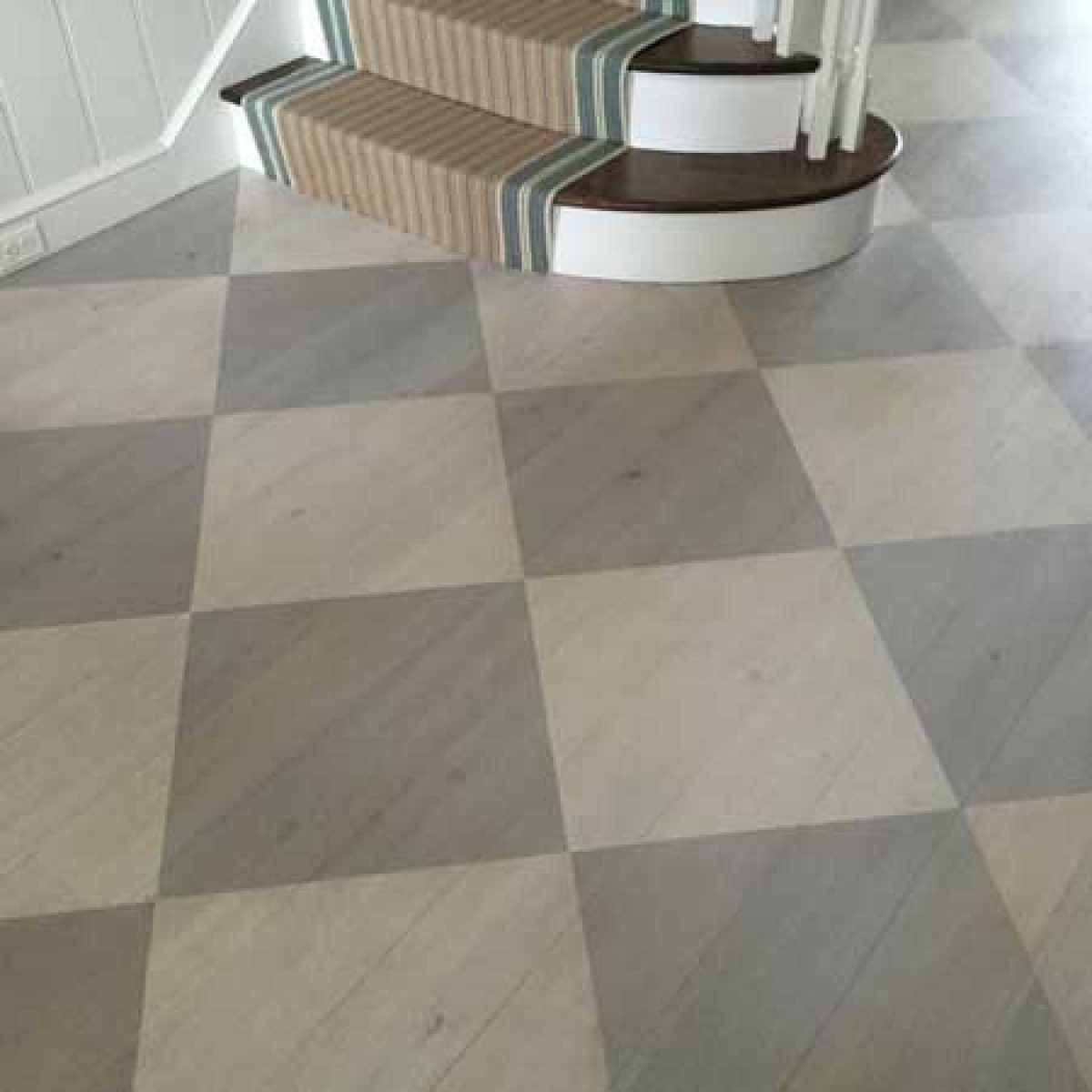 grey wood floor pattern featured image