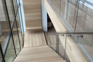 natural-wood-staircase-871