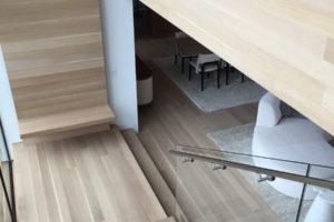 natural-wood-staircase-872