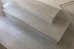 white-hardwood-floor-591